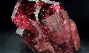 Рубеллит — магические и лечебные свойства камня, знаки зодиака